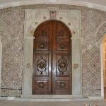 The grand doorway inside the museum.