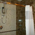 Accessible bathroom/walk-in shower