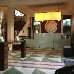 Hotel Lobby - Design and Clean