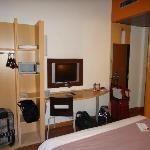 Room 413 Desk & Closet