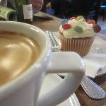 The Summerhouse - Coffee and cupcake - nothing like it