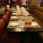 Une table accueillante nous attendait