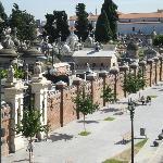 La vista da una stanza dell'hotel sul cimitero di Recoleta