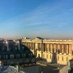 Blick aus Apartment #35 auf Louvre und Eifelturm