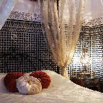 Chez Malika, lit de princesse