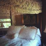 The bed/room