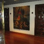 Nice paintings in the bar and lobby areas