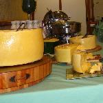 mesa de queijos sopas e ovos