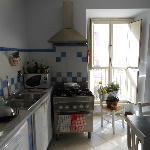 Refeitório/cozinha, com vista para a Cavour.