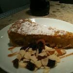 santiago tart.