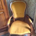 chair in room, notice the two different levels on the seat?