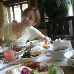 ビッフェ形式の朝食