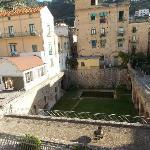 """dalla stanza la vista della favolosa """"villa romana"""""""