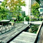 Outdoor deck for guests.