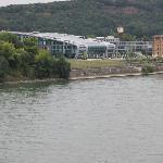 Kameha von der Brücke aus