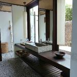 Amra Villa Downstairs Bathroom