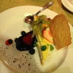 фото не очень хорошего качества, но десерт супер! из козьего сыра, мне из коровьего молока нельз