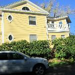 Lily House B & B