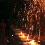 僧侶に寄るロイカトーンセレモニー無料で見学出来ます