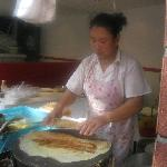 Un Tour Shanghai breakfast street food tour
