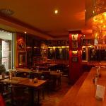 Una parte del ristorante ( piano superiore)
