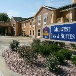 ‪BEST WESTERN PLUS Midwest Inn & Suites‬