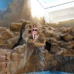 anna nella piscina del QUEEN VILLAGE