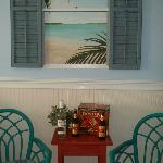 Colorful, tropical decor - great for relaxing