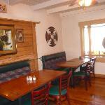 cozy dinning room