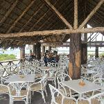 Megano Beach Bar and the merry minstrels
