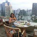 Anantara Bangkok Sathorn Kasara Lounge