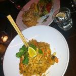 Heerlijke thaise noedels met groente en scampi!