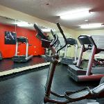 Updated fitness center with Life Fitness equipment