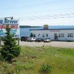 Bay Breeze Restaurant & Motel