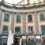 affaccio su Piazza Dante