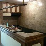 Mini-cozinha e frigobar