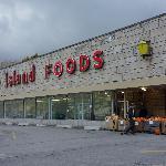 Supermarket 2 Min Away