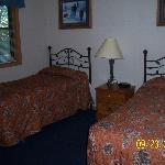 2-twin bedroom in 2 bedroom/2 bath cottage