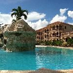 Coco Beach pool
