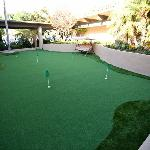 6 hole putting green