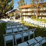 Garden area great for weddings!!