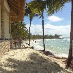 Playa colindante con comedor