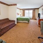 CountryInn&Suites CampSprings GuestRoom