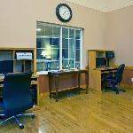 CountryInn&Suites LittleFalls BusinessCenter