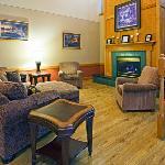 CountryInn&Suites LittleFalls Lobby
