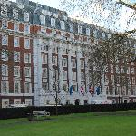 fachado del Millennium Hotel London mayfair