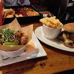Thai box, bang bang chicken and an amazing burger!