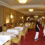 salle de restaurant et pdj