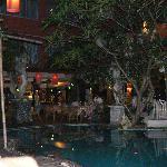 Espace piscine restaurant