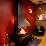 A la Carte B&B Montreal wood burning fire place in living room